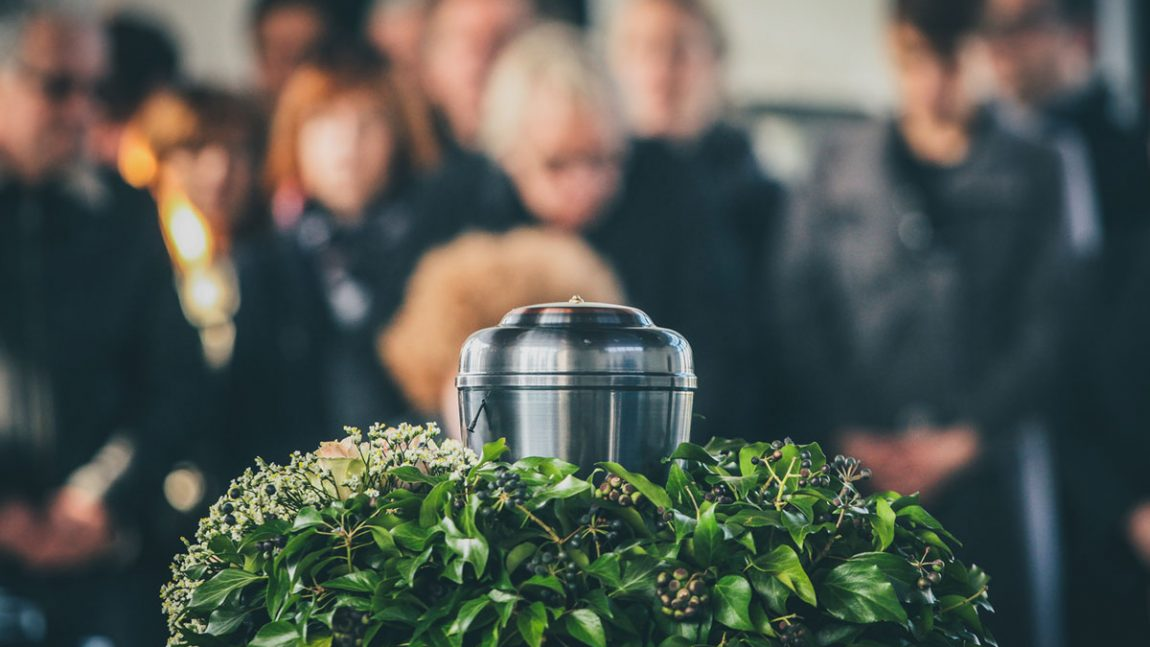 What is the Proper Etiquette at a Funeral and Wake?