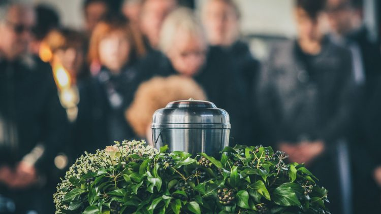 What is the Proper Etiquette at a Funeral and Wake