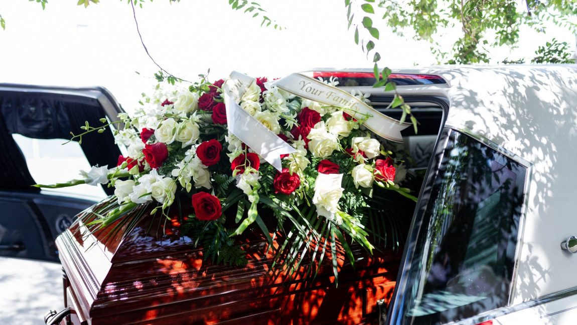 Dressing Your Deceased Loved One: 3 Tips to Consider