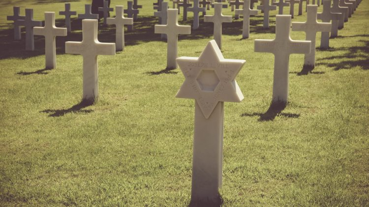 3 Ways You Can Share the Funeral Service While Social Distancing