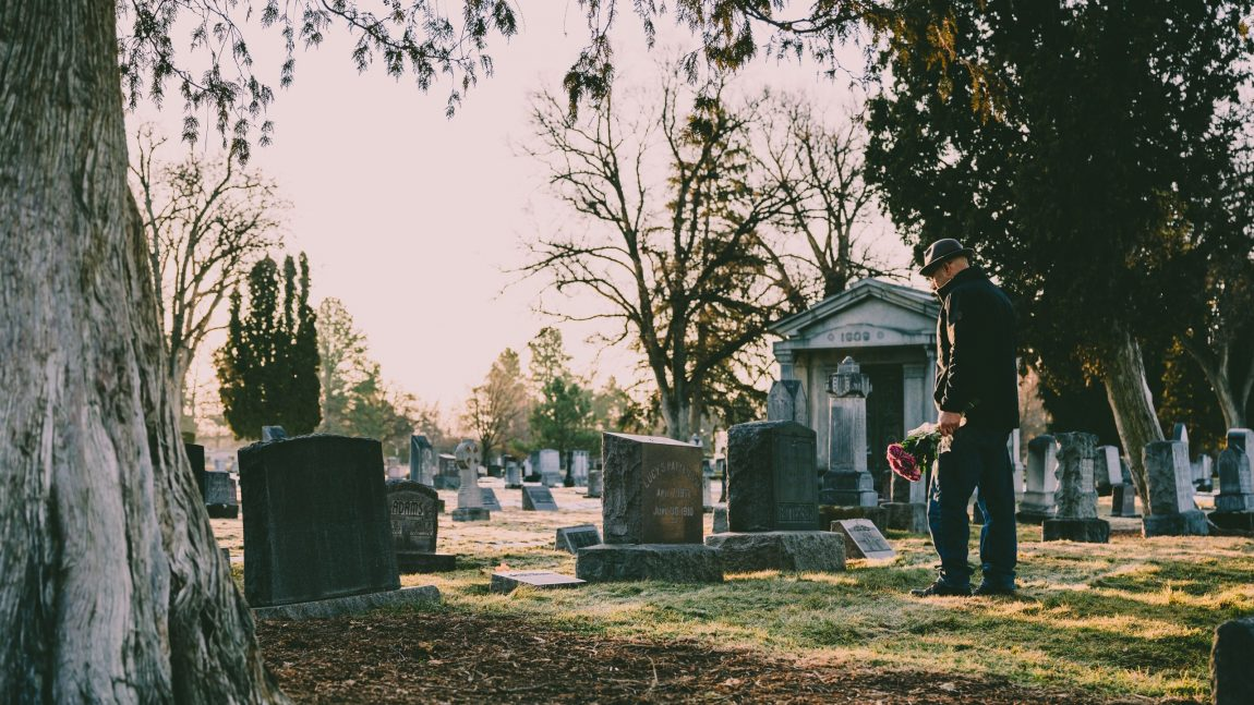 How to Properly Transfer Cremated Remains: Our Guide