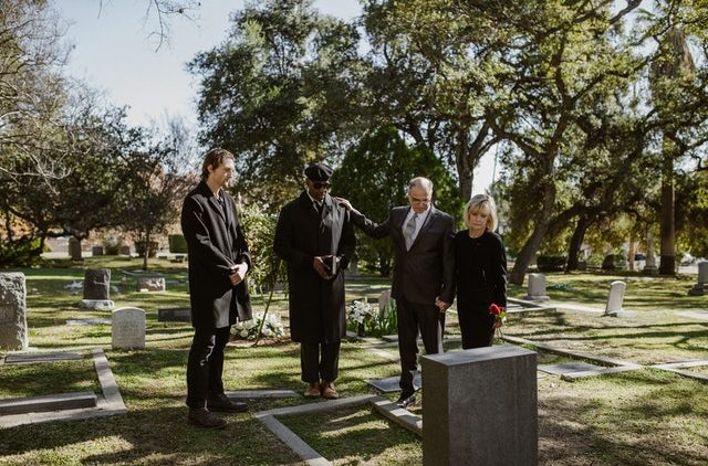 Considerations for Planning a Moment of Sharing at a Funeral