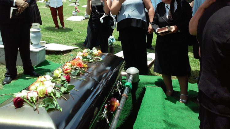 Tips and Ideas for Holding a Celebration of Life